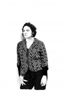 Veronica Gerber Bicecci - ilustracion de Iñaki Landa a partir de foto de Adrián Duchateau
